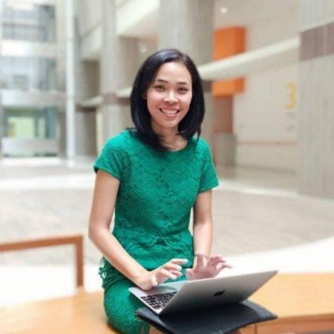 dr. Frida Soesanti, SpA(K) hobi dapat memperluas pengetahuan